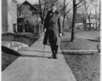 Ernest_Hemingway_at_Oak_Park__Illinois_1919_-_NARA_-_192669.jpg