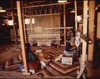 NAVAJO_WOMEN_WEAVE_A_RUG_AT_THE_HUBBEL_TRADING_POST__FIRST_TRADING_POST_ON_THE_NAVAJO_RESERVATION_-_NARA_-_544416.jpg