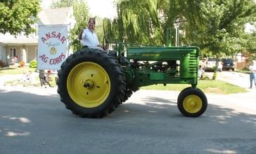 Edinburg_Labor_Day_Tractor.jpg