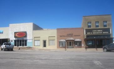 Part_of_downtown_square_in_Wheeler__TX_IMG_6131.JPG