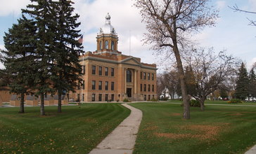 Traill_County_Courthouse.jpg