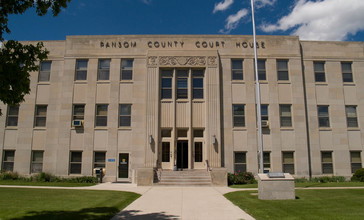 Ransom_County_Courthouse_2008.jpg