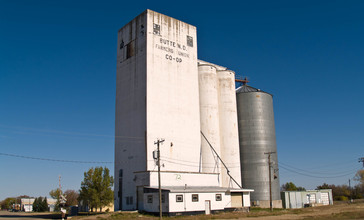 CO-OP_Butte__North_Dakota_10-17-2008.jpg