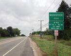 Woodstock_Illinois_sign.jpeg