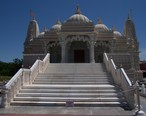 Chicago_BAPS_Shree_Swaminarayan_Hindu_Mandir.JPG