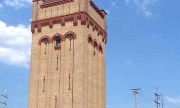 Hawthorne_Works_tower_2012_1.JPG