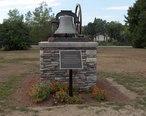 Tower_bell_of_Putnam__Connecticut.jpg