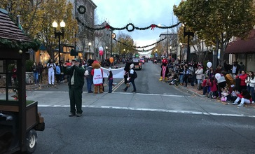 Vallejo_s_Mad_Hatter_Holiday_Parade_2017__39621272181_.jpg
