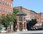 Downtown_Concord__NH__near_the_state_capitol_IMG_2719.JPG