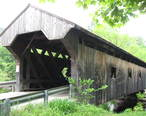 Waterloo_Covered_Bridge_over_Warner_River_in_Warner__New_Hampshire.jpg