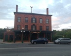 The_Salt_Hill_Pub_on_Main_Street_in_Newport.jpg