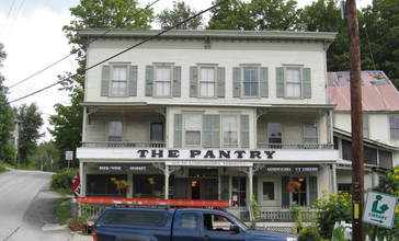 The_Pantry_in_South_Londonderry__Vermont.jpg