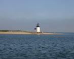 Light_house_at_Brant_point_in_Nantucket_harbor.jpg