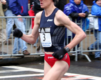 Deena_Kastor_at_the_2007_Boston_Marathon.jpg