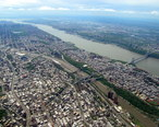 Aerial_view_of_the_Bronx__Harlem_River__Harlem__Hudson_River__George_Washington_Bridge__2008-05-10.jpg