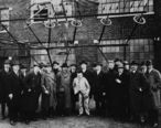 Albert_Einstein_with_other_engineers_and_scientists_at_Marconi_RCA_radio_station_1921.jpg