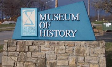 Johnson_County_Museum_of_History_Entry_sign__Shawnee__Kansas__USA.jpg