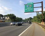 2018-07-17_07_43_26_View_south_along_New_Jersey_State_Route_444__Garden_State_Parkway__between_Exit_147_at_Exit_145_in_East_Orange__Essex_County__New_Jersey.jpg