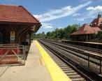 Forest_Hills_LIRR_Station_Platform_A.jpg
