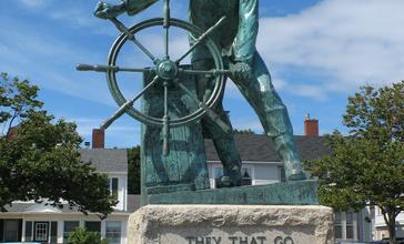 Gloucester_MA_-_Fisherman_s_Memorial.jpg