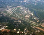 Greater_Rochester_International_Airport_May_2007_Aerial_View.jpg