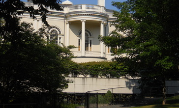 Rear_View_Peabody_Institute_Library_Danvers_August_2012.JPG