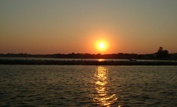 Sunset_off_The_Patchogue_Village_Dock.JPG
