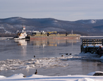 Barge_in_frozen_Newburg_Bay_on_the_Hudson_River.jpg