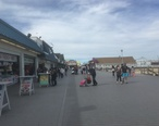 Point_Pleasant_Beach_boardwalk_looking_north_toward_Jenkinson_s_Aquarium.jpg