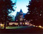 Belhurst_Castle.jpg