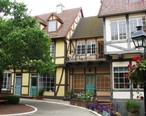 Solvang_timbered_houses.jpg