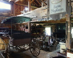 Interior_view_-_Hadley_Farm_Museum_-_DSC07615.JPG