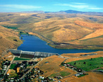 USACE_Willow_Creek_Dam_Oregon.jpg