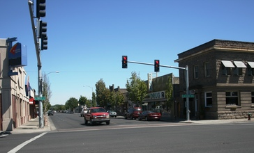 Hermiston_-_old_business_district_-_July_2013.JPG