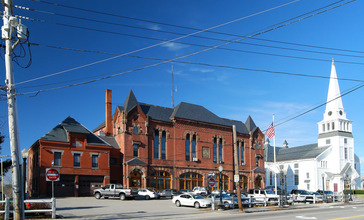 Holbrook_Town_Center.jpg