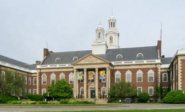City_Hall_in_Newton__Massachusetts.jpg
