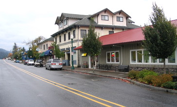 Stevenson_Washington_main_street.jpg