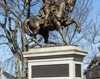 Statue_of_Lafayette_in_Lafayette_Park__Fall_River__Massachusetts.jpg