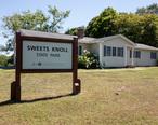 Sweets_Knoll_State_Park_sign__Dighton_Massachusetts.jpg