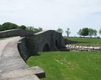 A_stone_bridge_in_Colt_State_Park.jpg