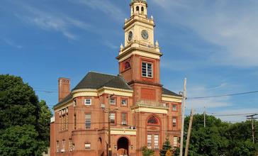 Cumberland_Town_Hall_RI.jpg