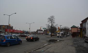 Jamaica_Avenue_intersection_with_Hollis_Avenue.jpg