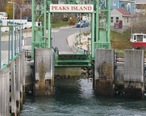 Peaks_Island_Maine_landing__11-11-2004.jpg