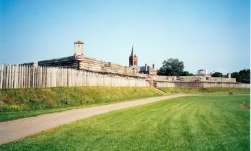 Fort_Stanwix__Rome_NY_-_interior.jpg