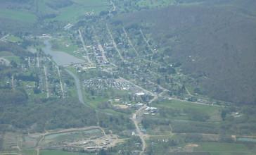 Aerial_shot_of_Smethport__PA_taken_by_Pilot_Jim_Line.JPG