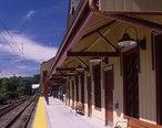 New_Canaan_train_station.jpg