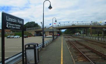 Lincoln_Park_Station_September_2013.JPG