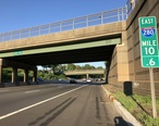 2018-07-18_19_02_13_View_east_along_Interstate_280__Essex_Freeway__between_Exit_11_and_Exit_11A_in_Orange__Essex_County__New_Jersey.jpg