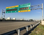 2018-07-20_07_19_52_View_south_along_Interstate_95__New_Jersey_Turnpike_Western_Spur__at_the_un-tolled_exit_for_the_Sports_Complex_in_Carlstadt__Bergen_County__New_Jersey.jpg