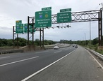 2018-07-21_17_47_34_View_south_along_the_local_lanes_of_Interstate_95__Bergen-Passaic_Expressway__just_north_of_Exit_70__Leonia__Teaneck__in_Leonia__Bergen_County__New_Jersey.jpg